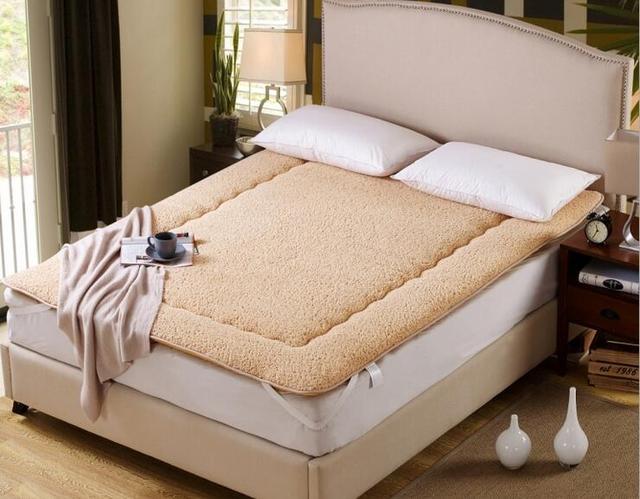 Portable keep warm Tatami  Thicken berber Fleece Mattresses bedding article
