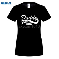 GILDAN Sommer Stil Papa Seit Lustiges T-shirt frauen Casual Kurzarm Vatertag Dad Geboren Baby Mutterschaft T-shirt