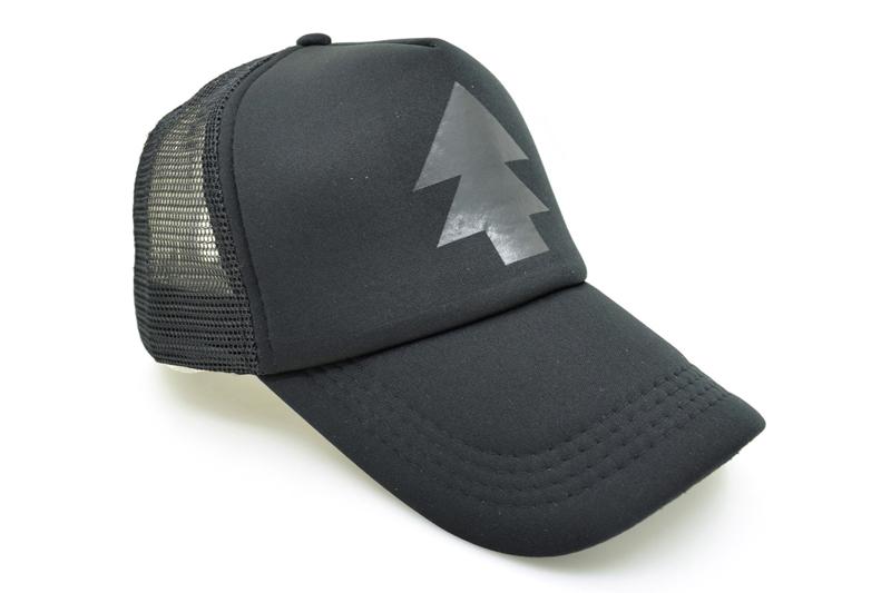 black trucker hat DSC_1652