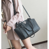 2019 New Women Bag Temperament European&American Fashion Rivet Wings Package Foreign Trade Explosion Models Fashion Square Bag