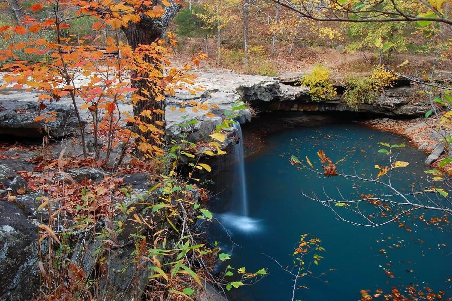 autumn trees estanque cascada paisaje pao de tela arte de la seda cartel de la pared