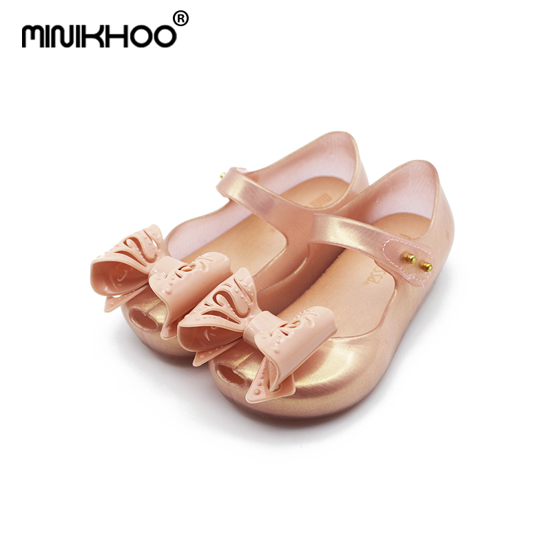 Mini Melissa Original Jelly Sandals 2018 New Hollow Bow Jelly Sandals Girls Beach Shoes Jelly Princess Shoes Toddler Sandals