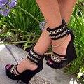 Shofoo shoes.2016 stylish new mail gratuito, couro preto, cadeia de decoração, sandálias stiletto areia, cunhas sandálias, sapatas das mulheres.