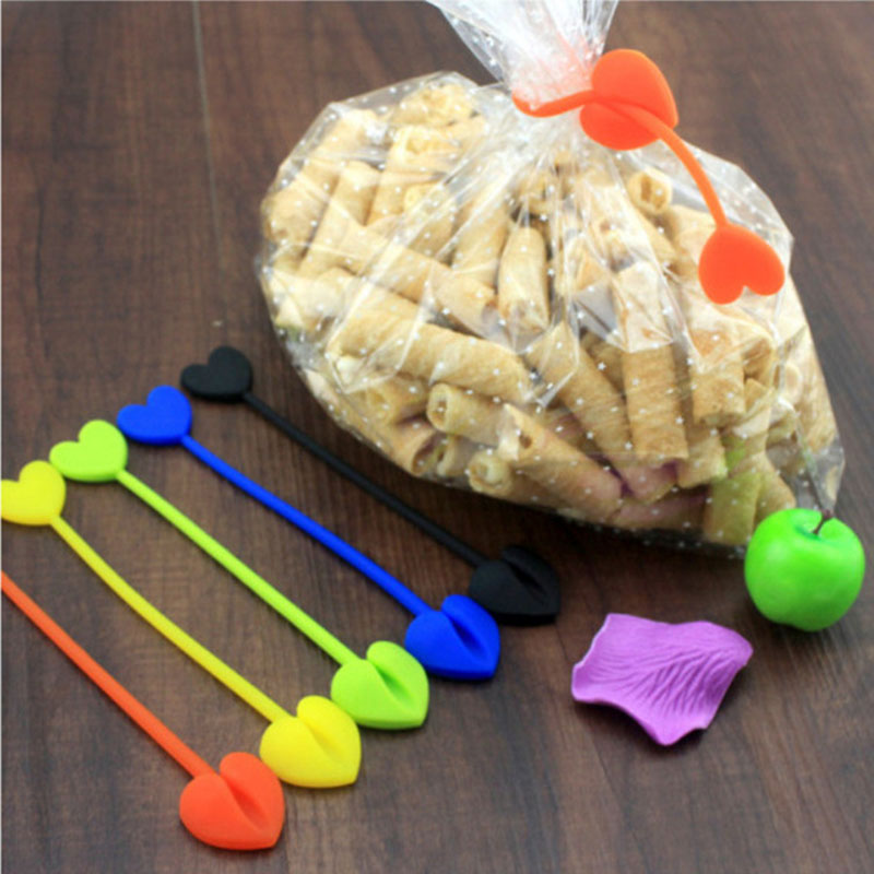 5Pcs Multifunction Heart Shape Silicone Food Bag Sealing Clip Random New