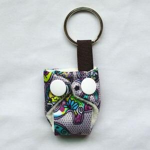 Image 3 - [Sigzagor]50 Leuke Mini Tiny Doek Luier Sleutelhangers Sleutelhangers, Schattig, Baby Shower Gift, mama Gift Kerst Ornament,14 Keuzes