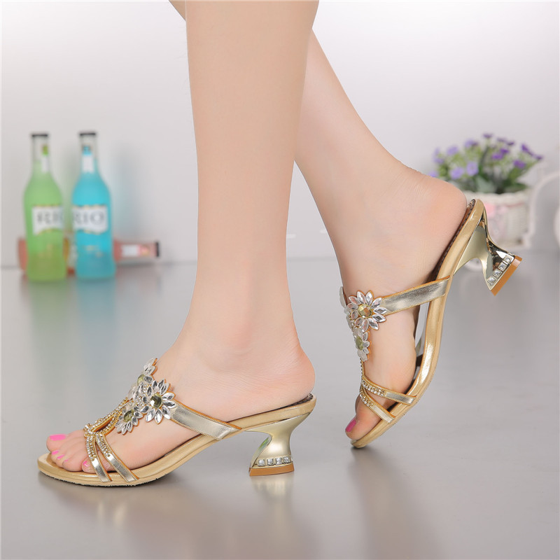 2017 Women's Golden Thick Heel Slippers Diamond Beaded Bow Leather High-heeled Sandals Shoes High Quality the new type of diamond mother sandals lady leather fish mouth flowers with leather high heeled shoes slippers women shoes