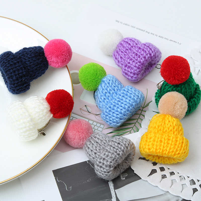 20 Color Fashion Mini Knitted Hairball Hat Brooch Sweater Pins Badge Clothes Accessories Creative Hats Lapel Pin Broche Women