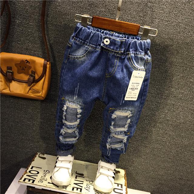 2017 Nuevo Agujero Pantalones Vaqueros Chicos Primavera Otoño Para Niños Pantalones Diseñado Pantalones Ocasionales Flacos del Dril de algodón Pantalones Vaqueros Elásticos Del Bebé de Los Niños
