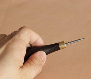Image 4 - Hoge Kwaliteit Goede Stiksels Priem Met Diamant Lade Lederen Houten Handvat Diamant Priem Gereedschap Staal Lederen Craft Stiksels Naaien