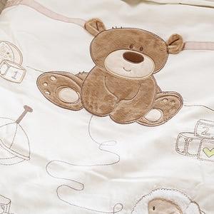 Image 3 - 9 個綿ベビーベッド寝具セット新生児漫画クマのベビーベッドの寝具着脱式キルト枕バンパーシートベビーベッドリネン 4 サイズ