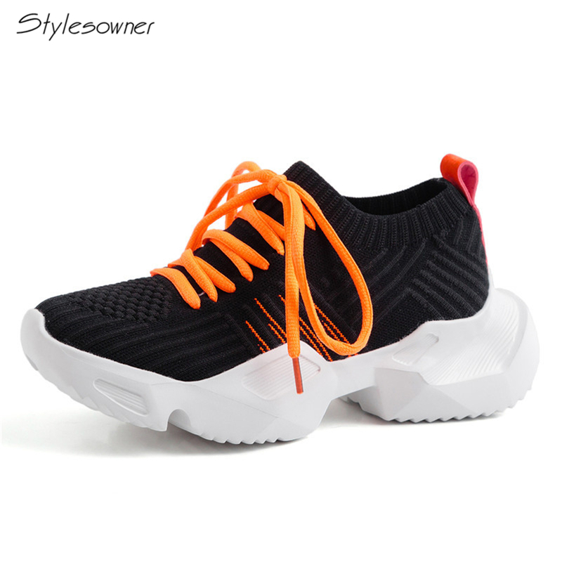 2019 New Fashion Women Flats Knitting Comfortable Breathable Sneakers Classic Round Toe Lace-Up Sports Shoes Woman2019 New Fashion Women Flats Knitting Comfortable Breathable Sneakers Classic Round Toe Lace-Up Sports Shoes Woman