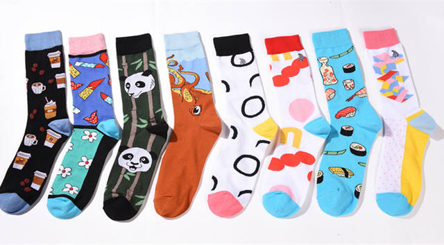 New combed cotton tube men's socks personality trend a variety of LOGO pattern casual men's socks