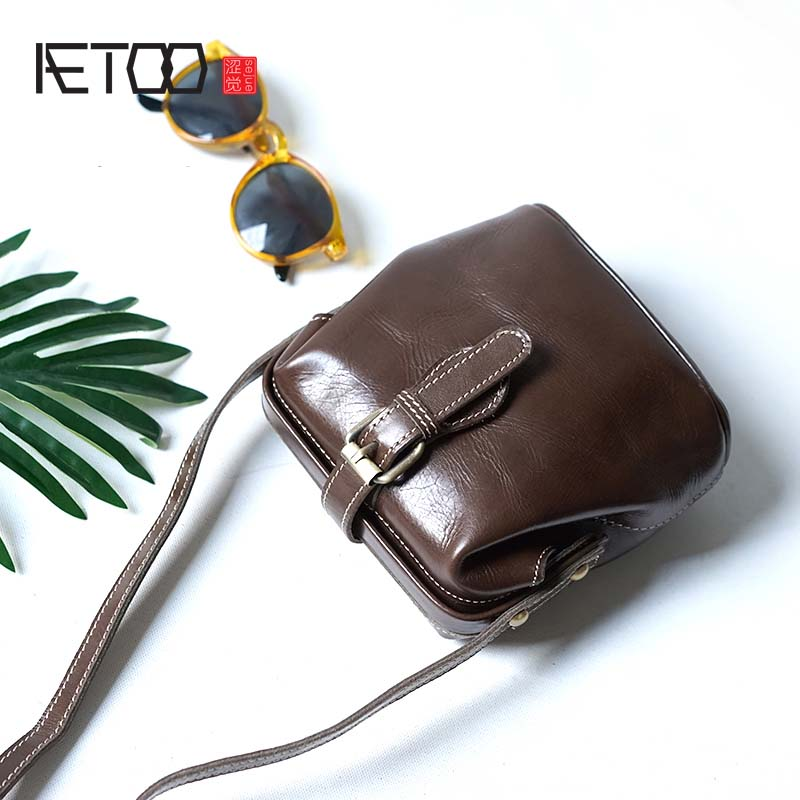 AETOO Handmade mouth gold package mini leather doctor bag handbag shoulder diagonal cross-bag retro first layer cowhide diagonal qiaobao 2018 new korean version of the first layer of women s leather packet messenger bag female shoulder diagonal cross bag