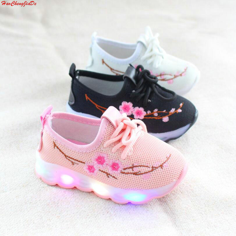 New Summer Fashion Children Shoes With Luminous Sneakers Shoes Glowing Sneakers Baby Toddler Boys Girls Shoes LED Soft EU 21-30