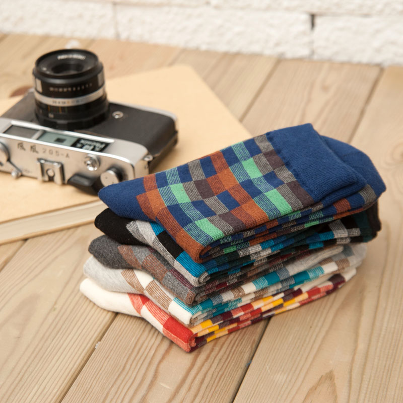 New Autumn Winter Cotton Men Socks Rush Color Crew Socks Wholesale Korean Classic Plaid Male Socks Warm Calzini Funny Meias