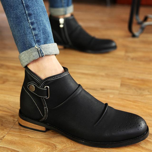 Moda Além de Veludo dedo do Pé Redondo Retro Martin Botas Corta Botas Homens High Top Zip Fivela Plissado algodão-acolchoado sapatos