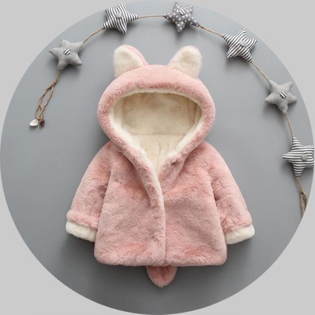 2016 nuevo invierno de los bebés del otoño chaqueta de terciopelo caliente de espesor capa del bebé ropa de recién nacido niño oso de dibujos animados con capucha infantil niñas abrigos
