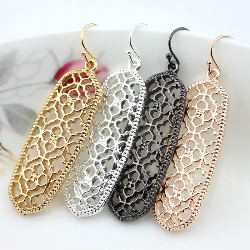 Quatrefoil Filigree Bar Earrings