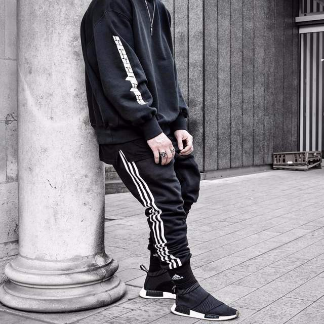 25bef8abfbc placeholder 2017 Latest KANYE WEST CALABASAS letters hoodies JUSTIN BIEBER  hiphop Fashion Casual Cotton Tee Black M