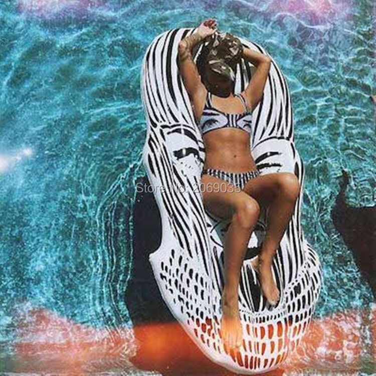 Giant Face Floating Pool Float Lounger Classice Black White Mask - Sport acquatici