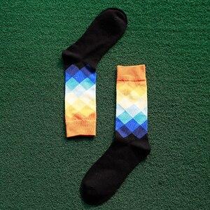 Image 3 - Artı Boyutu 10 çift/grup Rahat Renkli Mutlu Çorap Erkekler Komik pamuk çorap Sıcak İngiliz Tarzı Ekose Calcetines Divertidos Sıcak