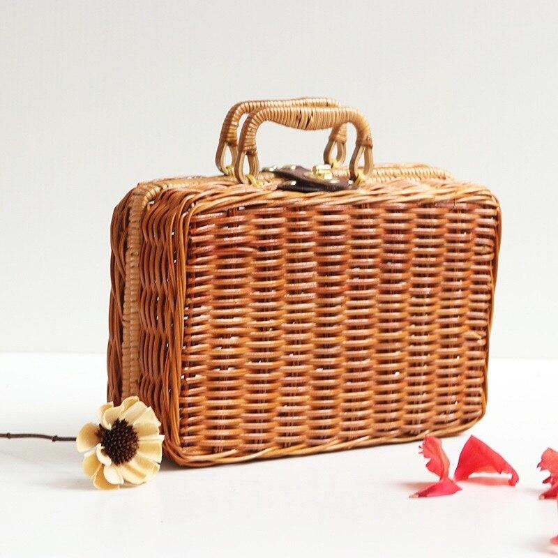 New Designer Handmade Rattan Straw Knitted Flap Box Women Handbags Vintage Leisure Chic Ladies Summer Beach Woven Makeup Bags