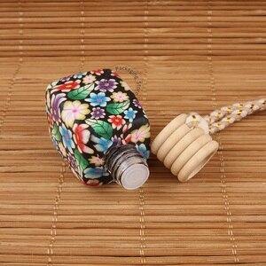 Image 2 - 35 قطعة/الوحدة بالجملة 10 مللي 15 مللي زجاجة عطر لينة الطين رائحة الضروري النفط زجاجة النساء التجميل الحاويات قلادة سيارة