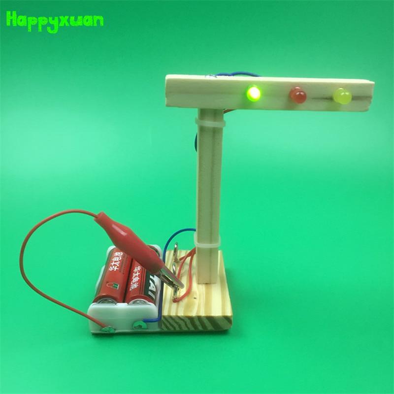 Happyxuan DIY Traffic Light Model Wood Science Experiment Kit Creative Inventions Kindergarten Kids Education Toys