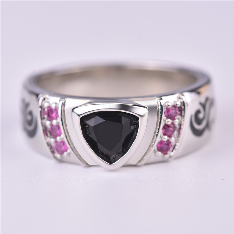 Everoyal Vintage Crystal Triangle Black Rings For Women Jewelry Trendy Lady Heart Red Hollow Ring Female Accessories Girls Bijou in Wedding Bands from Jewelry Accessories