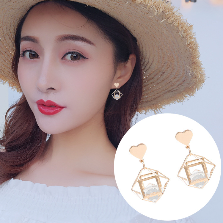 2019 New Korea Fashion Women Earrings Love Geometric Clear Acrylic Stereo Female Irregular Metal