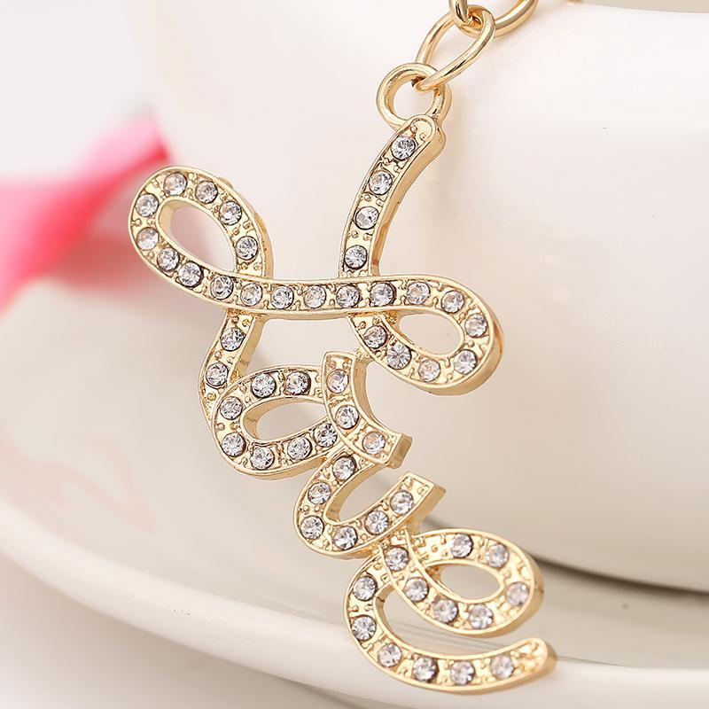 Novelty Rhinestone Letter Love Keychain Creative Car Key Chain Ring Holder Charm Bag Purse Decoration Souvenir Lovers Gift R029