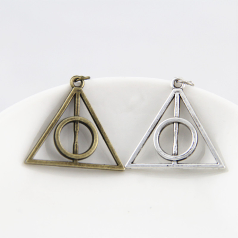New Fashion Chic Vintage Unisex Triangle Pendant Deathly Hallows Bib Choker Necklace Sweather Chain For Women