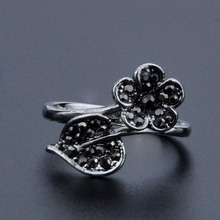 MYTHIC AGE Cute Vintage Antique Silver Color Black Crystal Flower Leaf Party Ring Jewelry For Women Girls US Size 6 7 8 9 r006 7 skull shaped stylish titanium steel ring silver us size 6