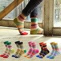 Diseñador de moda de Las Mujeres Retro Calcetines Color Rusia Nación Clásico de Rayas de Colores de La Vendimia Femenina de Punto Calcetines de La Novedad Caliente Corto Sox
