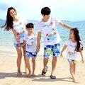 2016 Лето семья соответствующие наряды мультфильм праздник мать дочь отец сына устанавливает девушки парни майка пляж Брюки шорты