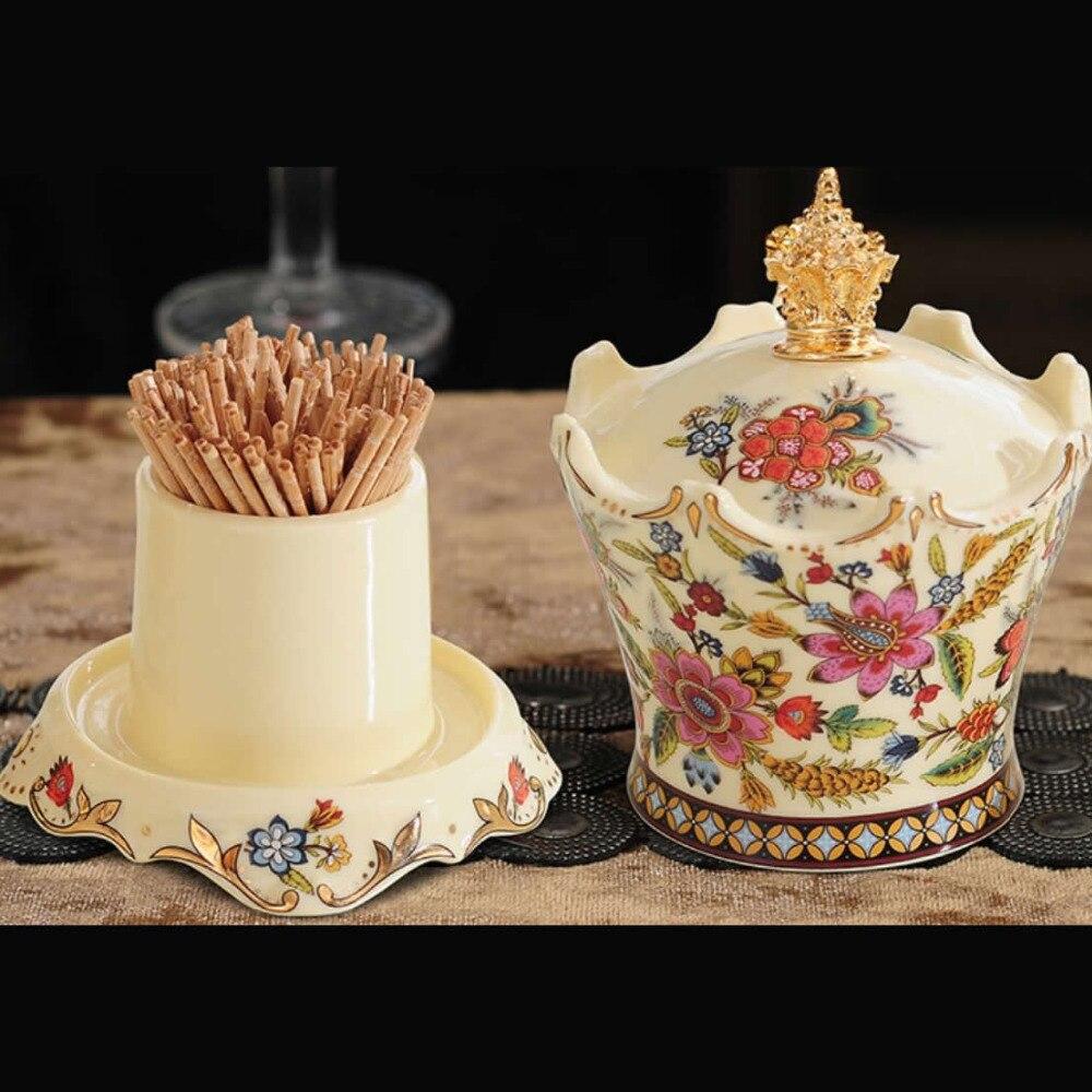 Squisita forma di corona per la casa in ceramica porta stuzzicadenti Bella reale di stile della decorazione del desktop scatola di stuzzicadentiSquisita forma di corona per la casa in ceramica porta stuzzicadenti Bella reale di stile della decorazione del desktop scatola di stuzzicadenti
