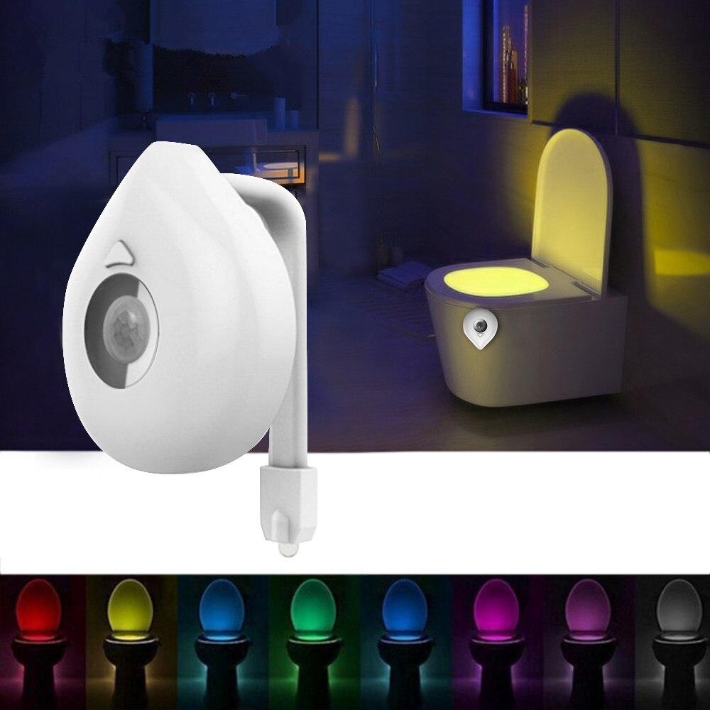 Capteur de lumière de nuit intelligent activé lampe de toilette 8 couleurs rétro-éclairage cuvette de toilette LED lampe Luminaria veilleuse PIR lampe de veilleuse