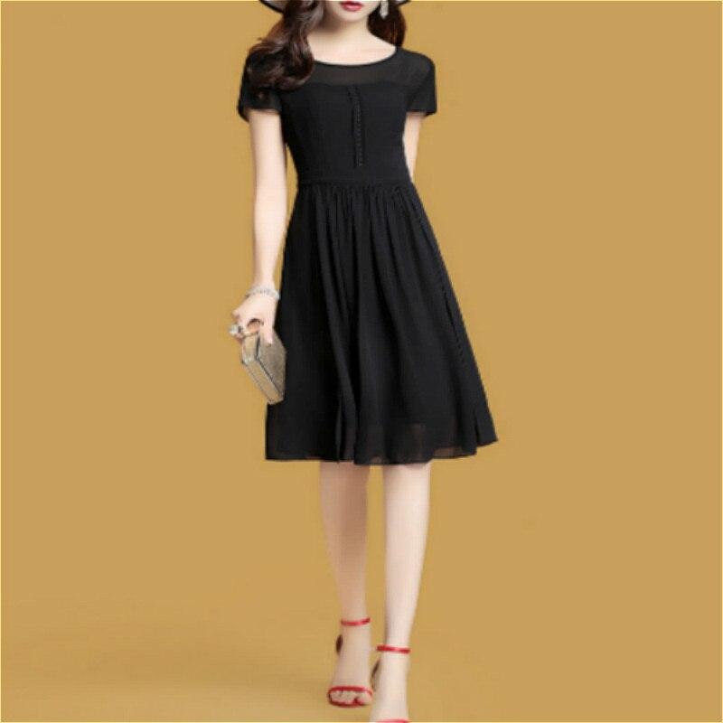 L'automne est récréatives vogue joker femmes robe soie tempérament fille noir couleur pure
