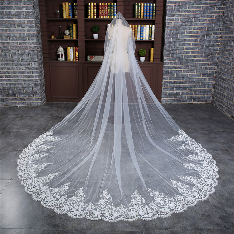 Romantic 3 M Wedding Veil Cathedral One Layer Lace Appliqued  Long Bridal Veils With Comb Woman Marry Gifts 2018 New Accessories