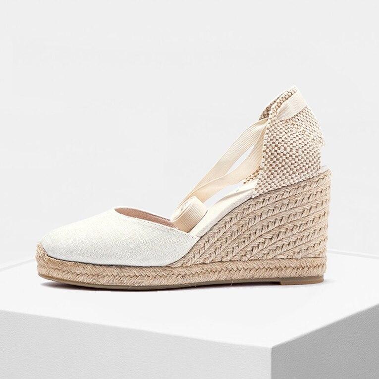 Doux Cheville-Cravate chaussures pour femmes 9 cm Wedge Orteil Fermé chaussures Classique Espadrilles Talon en blanc et noir couleur