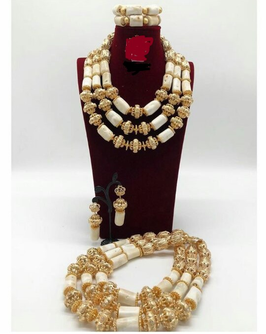 Wonderful White and Gold Nigerian African Wedding Coral Beads Jewelry Set Handmade Necklace Set for Bridal NCL734Wonderful White and Gold Nigerian African Wedding Coral Beads Jewelry Set Handmade Necklace Set for Bridal NCL734