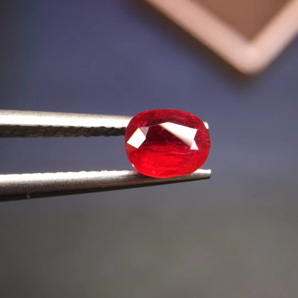 GIL Certificated 8039 Oval Cut 1.01ct Unheat Faceted Natural Pigeon Blood Red Ruby Loose Gemstones Rubi Loose StonesGIL Certificated 8039 Oval Cut 1.01ct Unheat Faceted Natural Pigeon Blood Red Ruby Loose Gemstones Rubi Loose Stones