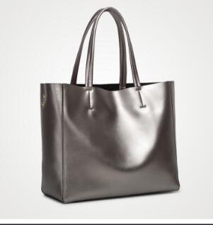 все цены на Emarald 2018 new fashion women handbag bags 1:1 quality bag free shipping онлайн