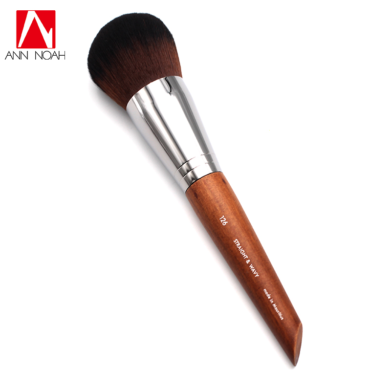 Professional Makeup Artist Long Wood Handle Straight Wavy Bristle 126 Dome Shaped Dense Medium Powder Brush new arrival make up professional brand luxury classic wood handle wavy hair lightweight no 130 large dome shaped powder brush