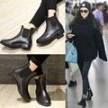 Botas de lluvia de 2016 a prueba de agua mujeres jalea de moda cargador de goma del tobillo banda elástica Color sólido Rainday Women Shoes
