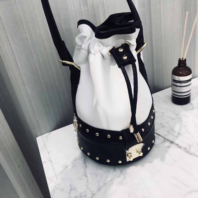 Pumping bucket bag Rivet handbags Mini bucket bag pumping bucket bag rivet handbags mini bucket bag