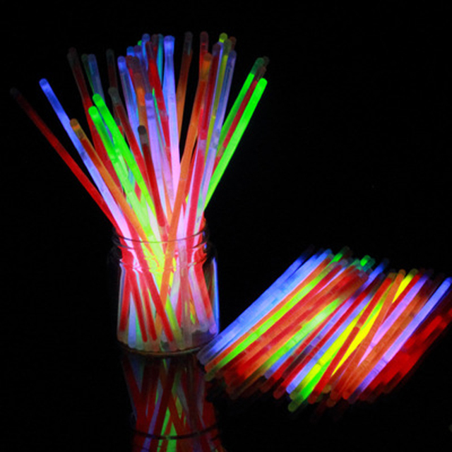 100 Шт./лот 2017 Новый Стиль Многоцветный Glow Neon Flash Light Палочки Игрушки Для Детей