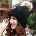 Хорошее Дело Новые Моды для Женщин Зимний Мех Мяч Черный Теплый Hat Вязание Крючком Вязаный Шерстяной Колпак Подарок 1 ШТ.