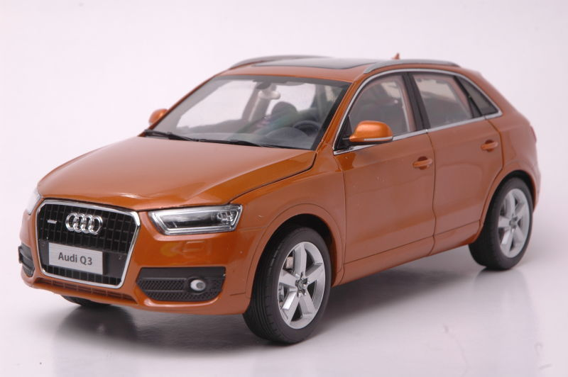 1:18 Diecast Model for Audi Q3 2013 SUV Alloy Toy Car Miniature Collection Gifts цены