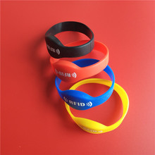 125Khz T5577 Writable Silica Gel Wristband RFID Bracelet Proximity Access Control ID Card 65MM цены